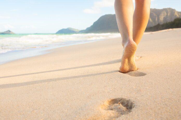 Nagie stopy na plaży