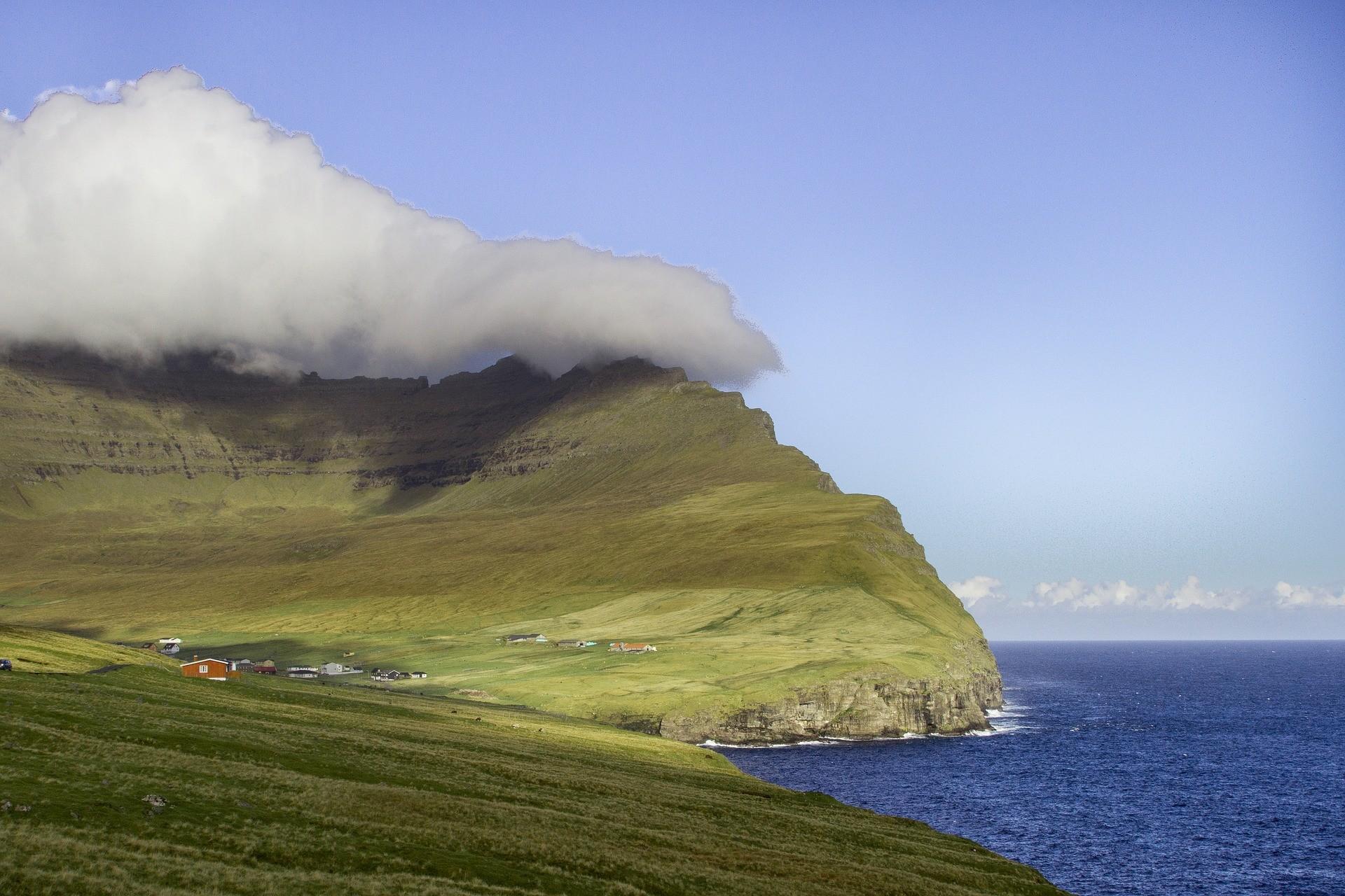 chmura nad wyspą