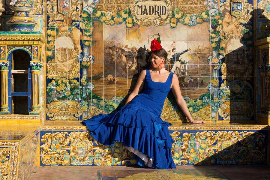 Beautiful-Woman-with-flamenco-dress-Madryt-shutterstock_459035620-1