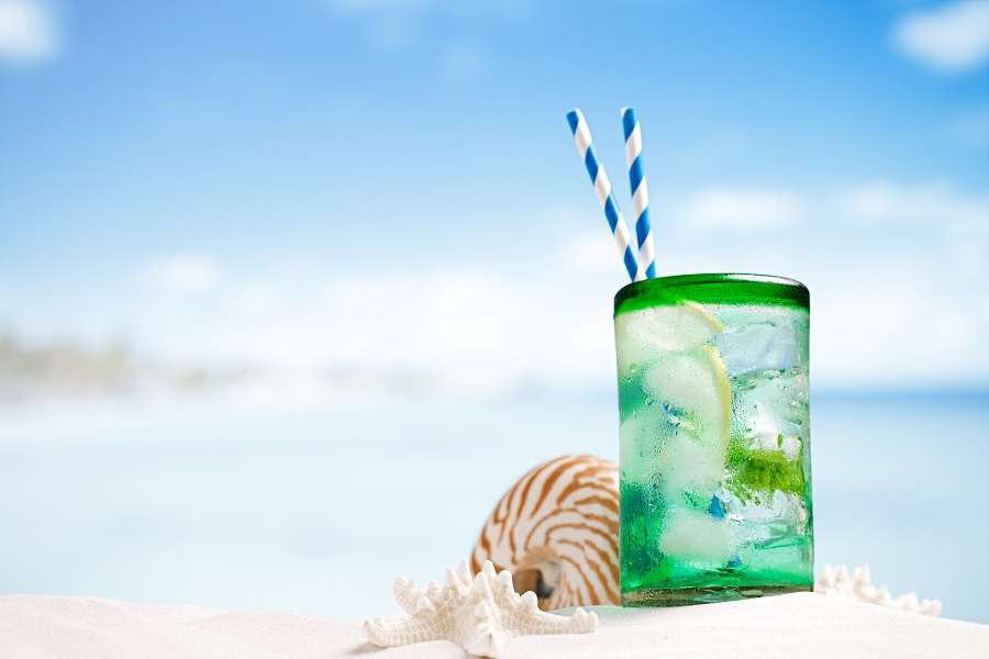 ibiza-mojito-cocktail-with-ice-rum--75921242