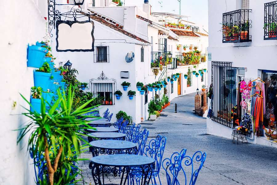 Mijas-street.-Charming-white-village-in-Andalusia-Costa-del-Sol.-Southern-Spain-shutterstock_271248668