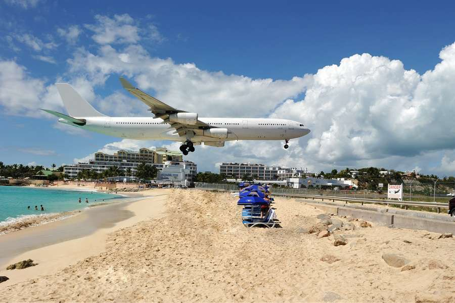 Maho-bay-in-St-Martin-one-of-the-main-attractions-for-plane-spotters-shutterstock_51160321