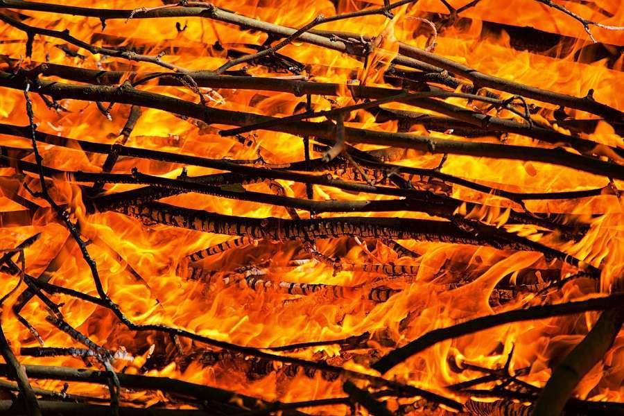 fire-1797890_1280