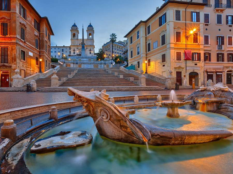 Rzym-bigstock-Spanish-Steps-at-dusk-in-Rome--121694381