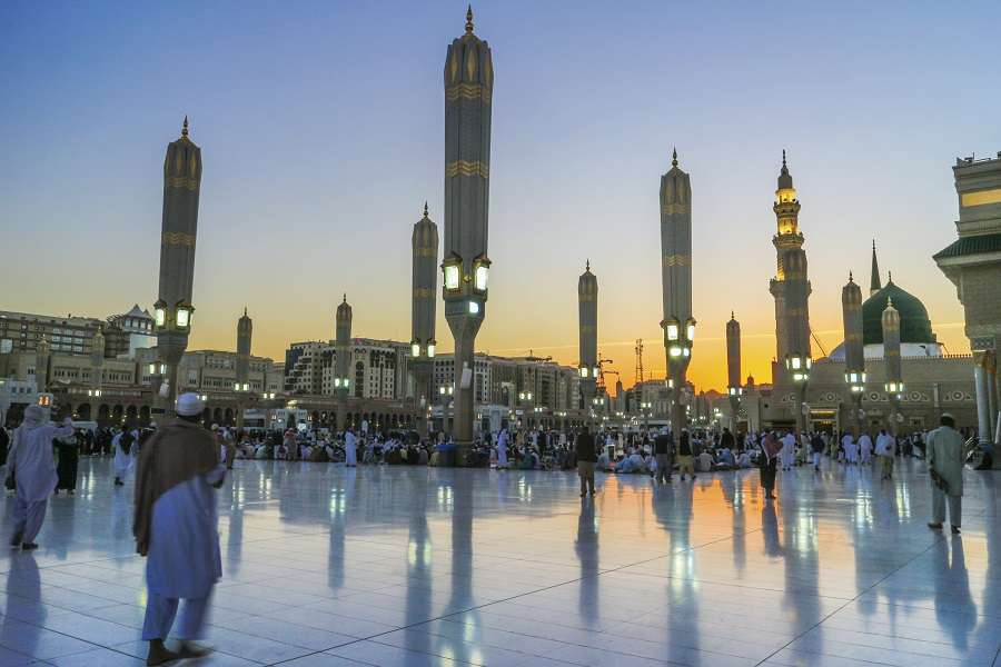 Stunning-vibrant-during-sunset-at-Masjid-Nabawi-MadinahSaudi-Arabia.-shutterstock_523692694