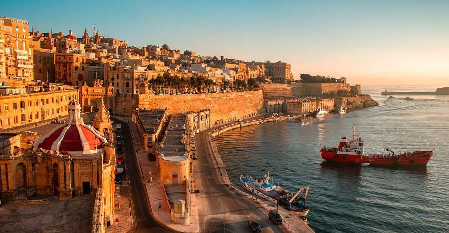 Ancient-walls-and-streets-of-Valetta--the-capital-of-Malta-shutterstock_160904228