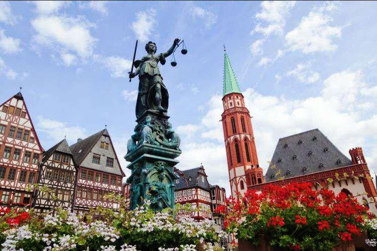 Przedłużony weekend we Frankfurcie za 78 zł!