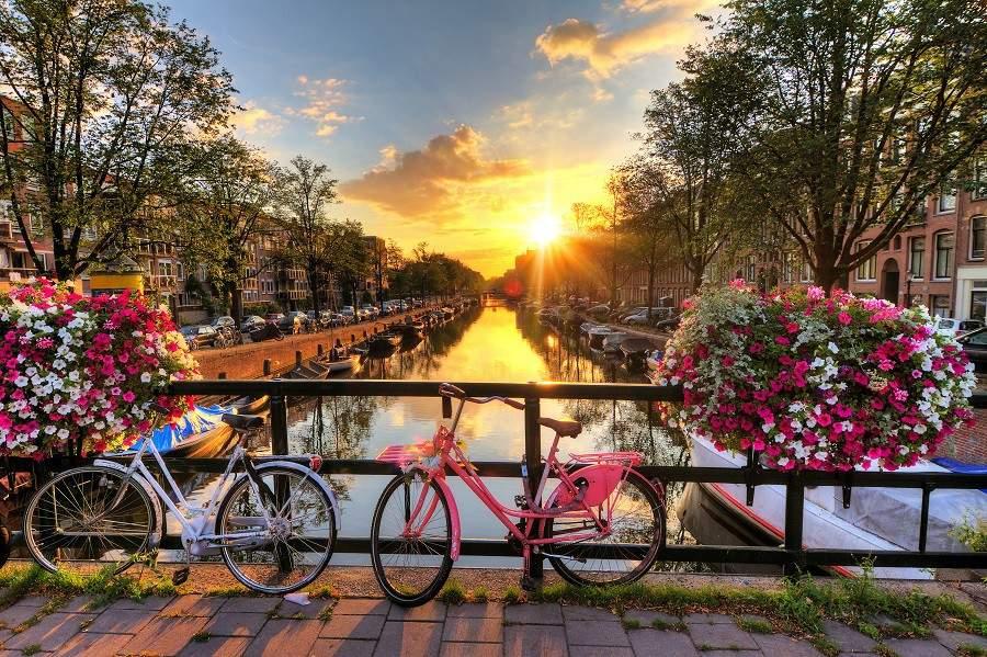 Amsterdam w czerwcu za 476 zł! (loty + noclegi)