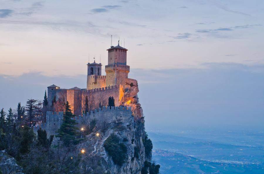 Słoneczne Rimini i urzekające San Marino w lipcu za 456 zł (lot + nocleg)