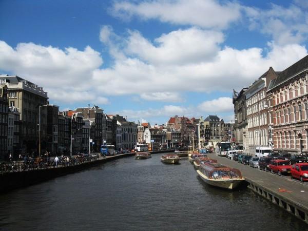 Zabytkowe Kanały w Amsterdamie